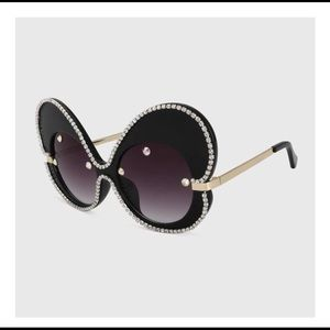 Accessories - CATCH A BUTTERFLY SUNGLASSES